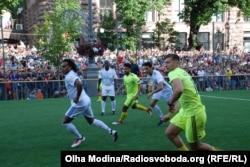 Команди «Шевченко та друзі» і «Легенди Реалу»