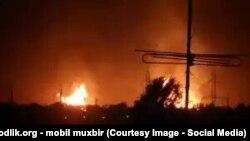 По словам очевидцев, после взрыва на газовой магистрали пламя поднялось на десятки метров.