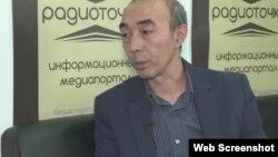Бекжан Идрисов, главный редактор интернет-портала Radiotochka.kz. Алматы, 16 ноября 2016 года. Скриншот видеопрограммы «Настоящее Время».
