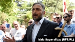 Леван Васадзе, наряду с лидерами ультраправого «Грузинского марша», обещает сделать все, чтобы грузинский зритель так и не увидел картину Левана Акина