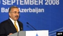حلمی گولر، وزیر انرژی و منابع طبیعی ترکیه. (عکس: AFP)