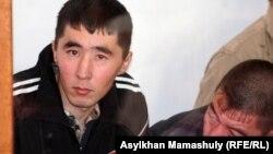 Подсудимые по делу «о массовых беспорядках в Шетпе». Актау, 17 апреля 2012 года.