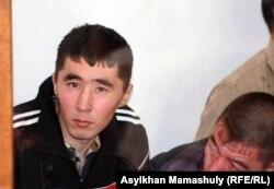 Подсудимые по делу о событиях в Шетпе. Актау, 17 апреля 2012 года.