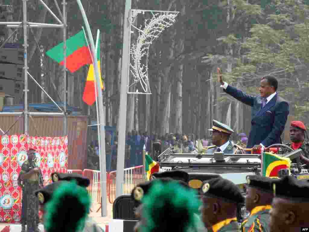 Прэзыдэнт Конга на парадзе з нагоды Дня незалежнасьці.