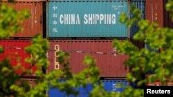 Jedna od tačaka sporenja Pekinga i Zapada jeste praksa da kineska državna preduzeća dobijaju ogromne subvencije (Na fotografiji kontejneri državne kompanije Čajna šiping, CSSC)