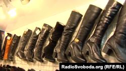 Женская обувь на донецком рынке стоит дороже
