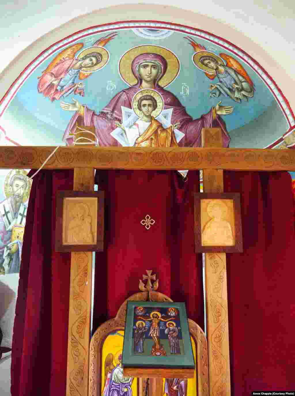 Interior of the chapel atop the pillar.