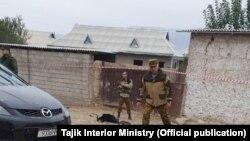 Фото, распространенные МВД Таджикистана как снимки, сделанные на пограничной заставе, на которую совершено нападение. 6 ноября 2019 года.
