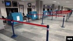 Некуда лететь. В тбилисском аэропорту 3 октября