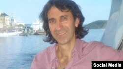İran azərbaycanlısı yazıçı Təbrizli Məmmədrza.