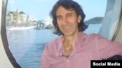 İran Azərbaycanından olan yazıçı Təbrizli Məmmədrza.
