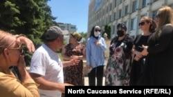 Рестораторы собрались на главной площади Махачкалы, 6 июля