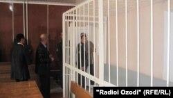 В апреле суд Худжанда приговорил сотрудника милиции к 7,5 годам тюрьмы за то, что принуждал трех женщин заниматься проституцией