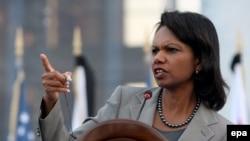 Condoleezza Rice izrazila je američku podršku gruzijskom režimu i tokom posete Tbilisiju, 15. avgusta.