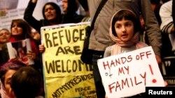 Протесты против указа Трампа о запрете въезда в США мусульманам