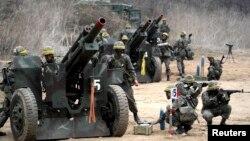 نیروهای کره جنوبی طی هفتههای گذشته بر آمادگی دفاعی خود افزودهاند