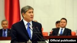 Алмазбек Атамбаев. Фото из архива.