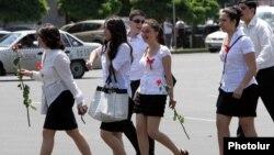 «Последний звонок» в Ереване (архив)