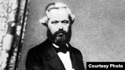 تصویری از کارل مارکس در میانسالی.