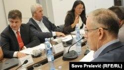 Suprotni stavovi direktora i članice Savjeta Agencije