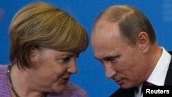 Գերմանիայի կանցլեր Անգելա Մերկել և Ռուսաստանի նախագահ Վլադիմիր Պուտին, արխիվ