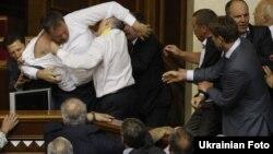 Бійка у Верховній Раді під час розгляду мовного питання. Київ, 24 травня 2012 року