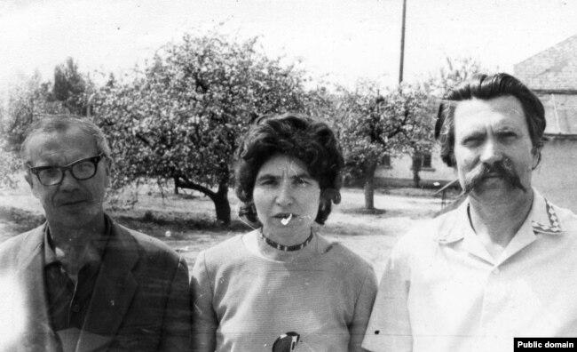 Надія Світлична з Іваном Кандибою та Левком Лук'яненком. Київ, 1976 рік