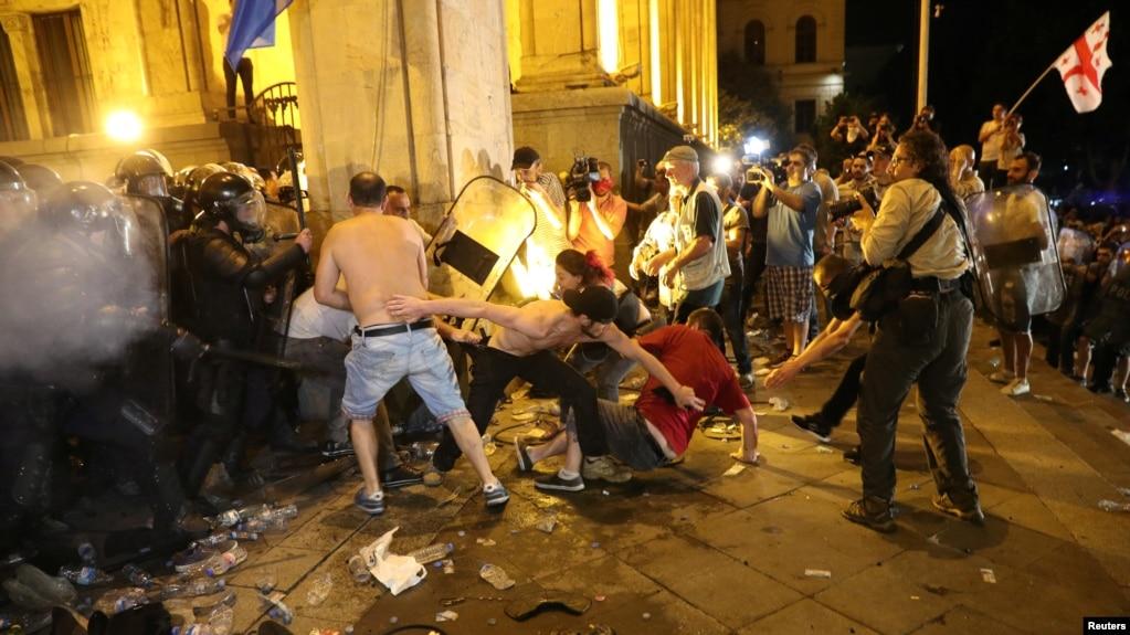 Ночь в Тбилиси. Прививку от беспамятства власти нужно делать регулярно