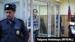 Денис Лёвкин на судебном процессе, февраль 2014 года