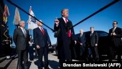 Президент Трамп бо вазири дифоъ Ҷим Мэттис қабл аз мулоқот дар Пентагон