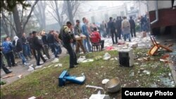 Следствием предыдущих парламентских выборов стали массовые беспорядки и погромы в Кишиневе.