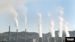 Во всемирном масштабе антропогенным влиянием на климат можно пренебречь, считают некоторые эксперты. ТЭС в Приморском крае