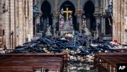 Собор Паризької Богоматері після пожежі, 16 квітня 2019 року