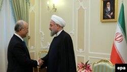 یوکیا آمانو، مدیرکل آژانس بینالمللی انرژی اتمی، تاکنون چند بار با حسن روحانی، رییس جمهوری ایران دیدار کرده است.
