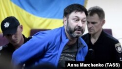 Журналист Кирилл Вышинский.