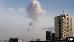 Дым от взрыва над Браззавилем. 4 марта 2012 года.