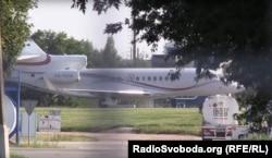 Літак Falcon 7X приземляється в аеропорту «Бориспіль»