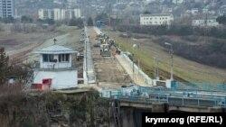 Работы на плотине Симферопольского водохранилища, 9 декабря 2020