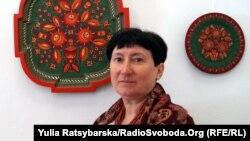 Наталія Рибак, майстриня петриківського розпису. Дніпро, 18 квітня 2019 року