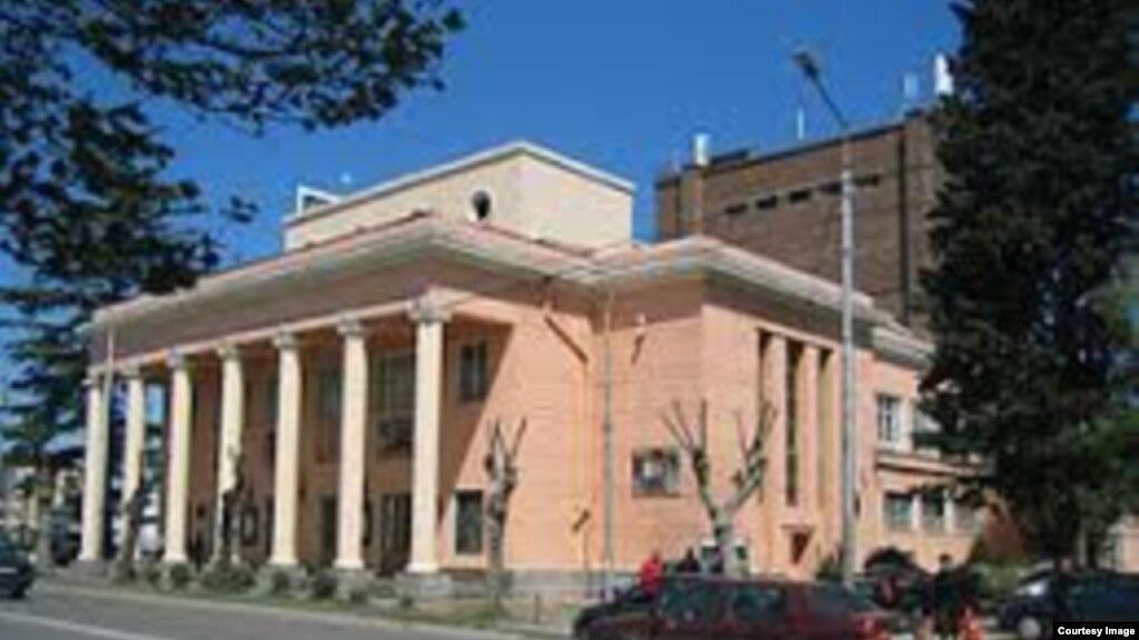 Каладзе: К 2020 году работы по реконструкции Тбилисского армянского театра будут завершены