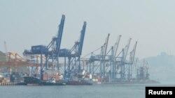 Порт во Владивостоке.