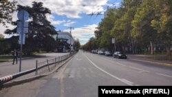Улица Ленина, бывшая Екатерининская, начинается в Севастополе от площади Нахимова