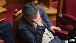 Греция Молия вазири Евклид Цакалотос парламент мажлисида. 15 июль, Афина.