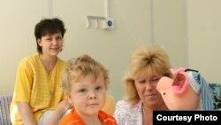 Анфиса Резцова в гостях у маленьких пациентов. Фото Е. Кириллова