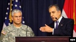 سفیر آمریکا می گوید که یکی از افراد بازداشتی سپاه قدس از طراحان عملیات های این نیرو در عراق است.