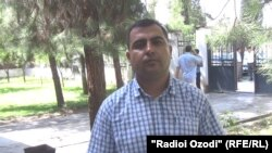 Таджикский журнралист Аминджон Гулмуродзода.