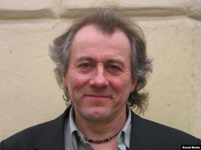 Віктор Морозов, український співак, композитор, перекладач