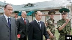 В общении Путина с Патрушевым (крайний слева) давно замечали «нарастающие трудности»