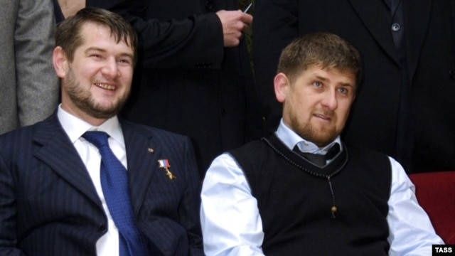 Sulim Yamadayev (left) and Ramzan Kadyrov in 2006
