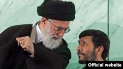 محمود احمدی نژاد (راست) و آیت الله علی خامنه ای.